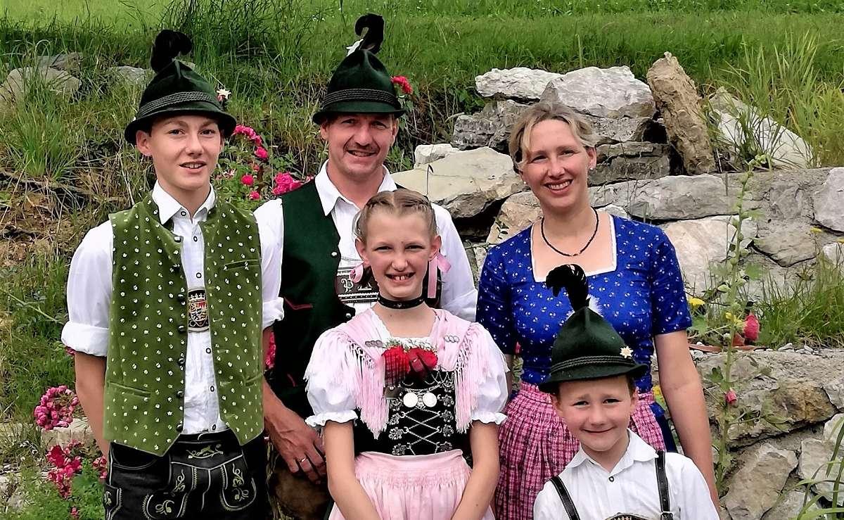 Familie Pfaffinger Sachrang (2d)